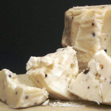 Italian Cheese with White Winter Truffle (Tuber Magnatum Pico)